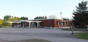 Hevoshaan_koulu_-_pihaa_-_Hakunila_-_Vantaa_-_m